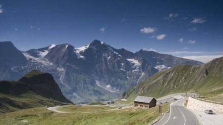 Šveicarai neriasi iš kailio: nuo daugiau kaip 1 mln. iki 650 tūkst. vilkikų iki 2018 m.