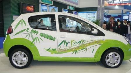 Ieškoma būdų elektromobilių gamybai ir perdirbimui Lietuvoje skatinti
