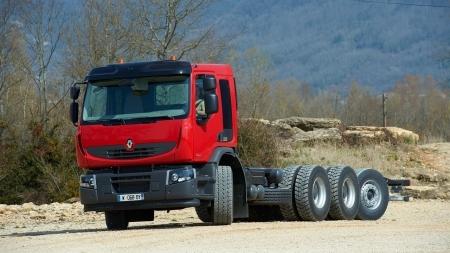 Renault Trucks siūlo naują 8×4*4 važiuoklę