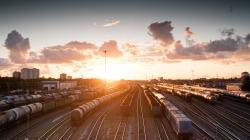 """Pasirašyta sutartis: 442 mln. eurų Europos Sąjungos dotacija """"Rail Baltica"""""""