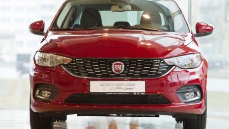 """Lietuvoje pristatytas praktiškas ir stilingas """"Fiat Tipo"""" sedanas"""