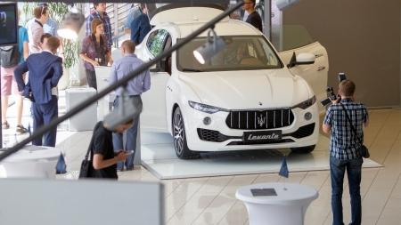 """Lietuvoje pristatytas grakštusis """"Maserati Levante"""" visureigis"""