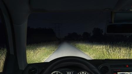 Keliaujančius į užsienį automobiliu gali nustebinti ir automobilio žibintams keliami reikalavimai