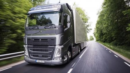 """""""Volvo Trucks"""" patobulinti jėgos agregatai gerina našumą ir sumažina degalų sąnaudas"""