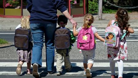Pasiruošimas mokyklai: ne tik susikrauti kuprinę, bet ir prisiminti saugaus eismo taisykles